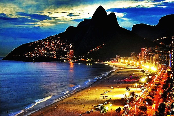 ipanema beach at night-brazil tourist attraction