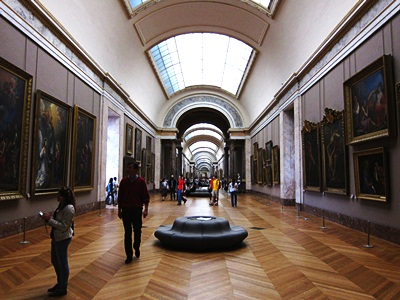 beautiful-museum-louvre-france-top-paris-sightseeing-places