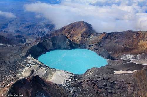 crater-lake-ruapehu-new-zealand